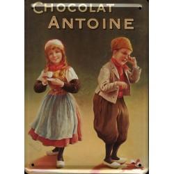 Plaque métal publicitaire 15 x 21 cm bombée : Chocolat Antoine.