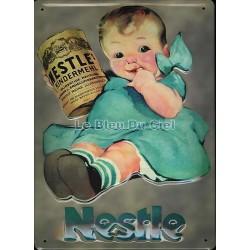 Plaque métal publicitaire 20x30cm bombée en relief : NESTLÉ.