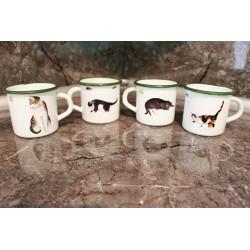 Lot de 4 Meugs émaillés, décor chats.