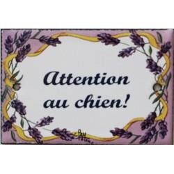 Plaque de porte émaillée plate de 10,5 x 7cm décor lavandes : ATTENTION AU CHIEN !