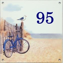 Plaque émaillée 15 x 15 cm : Décor vélo bleu à la plage
