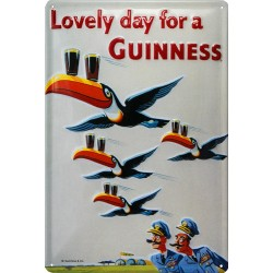 Plaque métal publicitaire 20x30cm bombée en relief :   Lovely day for a GUINNESS Aviation