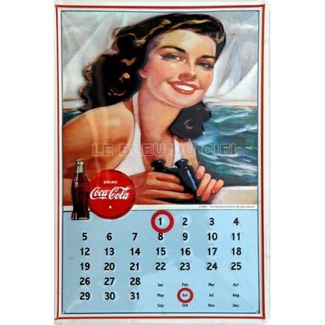 Calendrier métal publicitaire 20x30cm bombé en relief : Lady Coca Cola.