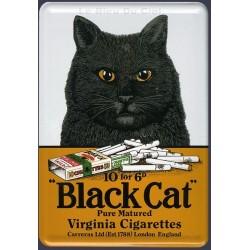 Plaque métal publicitaire 20x30cm bombée en relief : Black Cat cigarettes.