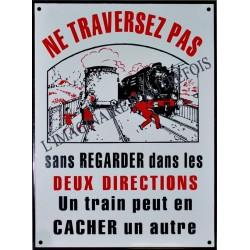 Plaque émaillée Un train peut en cacher... 40x3Ocm