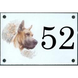 N° de rue décor Chien Dogue 10 x 15 cm.